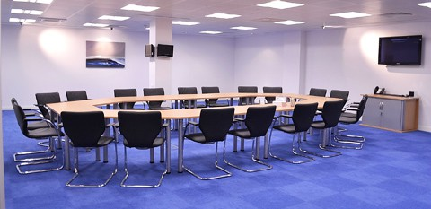 Modern Meeting Room with Large Circular Table